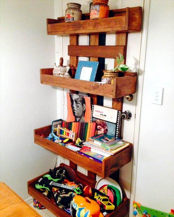 cute pallet shelf unit