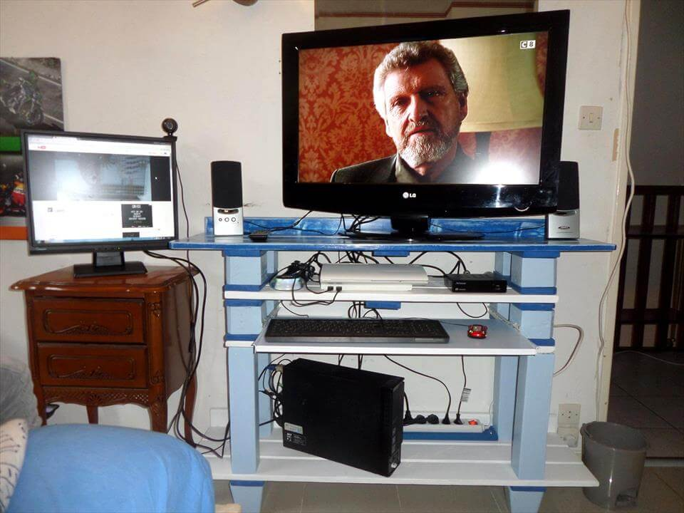 pallet made tv stand