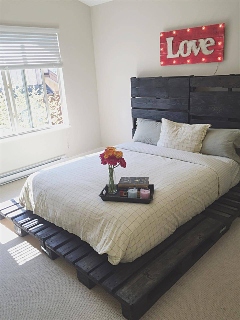 Wooden Pallet Bed out of only Pallets - Pallets Pro
