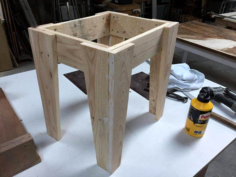 wooden pallet chair legs