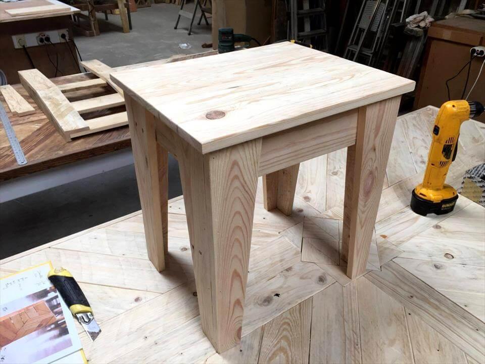 wooden pallet stool