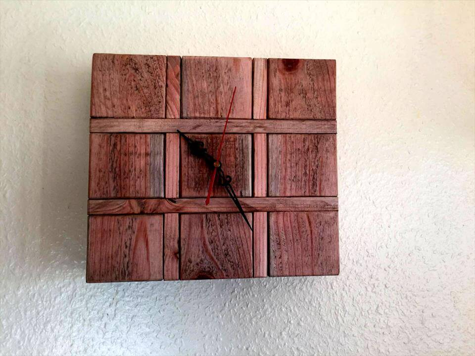 cute pallet clock