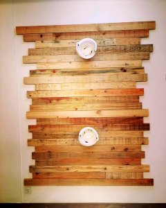 lovely pallet wall paneling