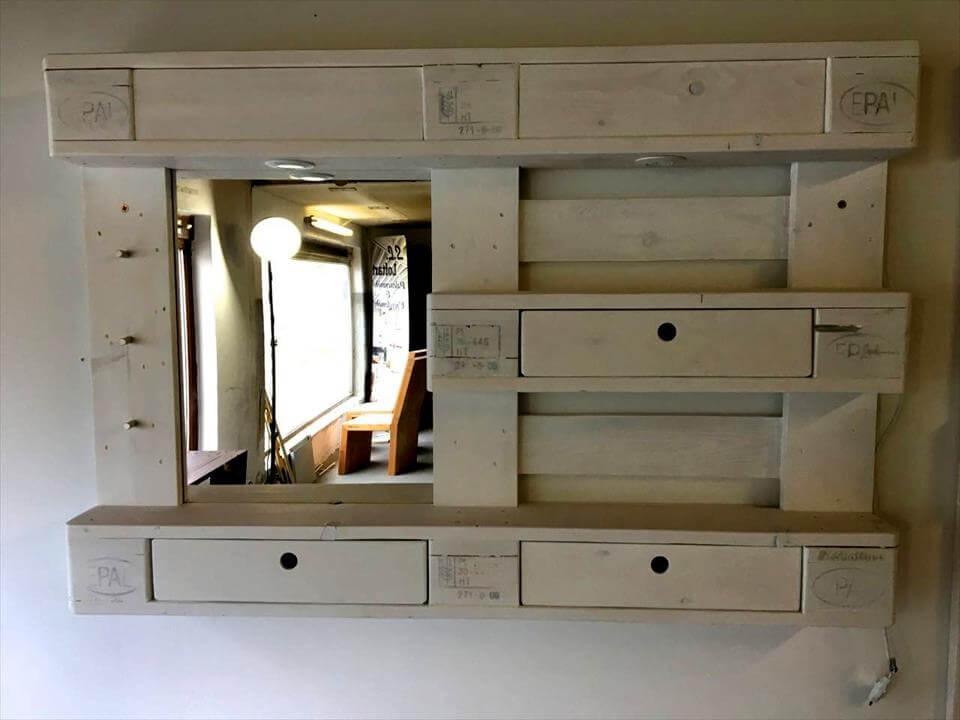 Pallet Chest of Drawers and Coat Rack / DIY Mirror ...