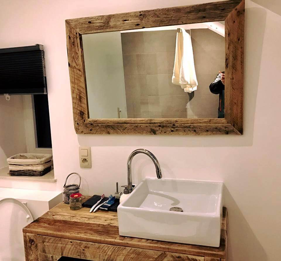 wooden pallet bathroom mirror