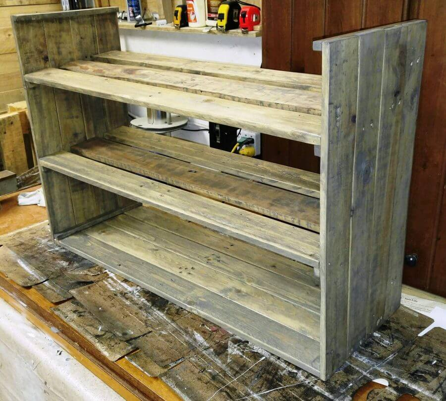 wood pallet shoe rack pallets pro. Black Bedroom Furniture Sets. Home Design Ideas